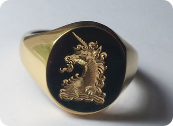 Signet ring crest engraving